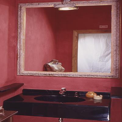 Lavabo a una vasca con specchiera con cornice